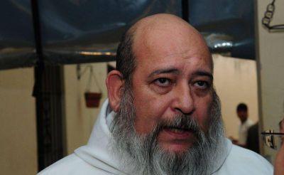 Salen a la luz denuncias por abuso sexual contra el sacerdote Agustín Rosa, que había sido apartado de la Santa Cruz