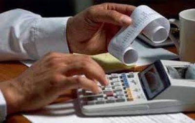 Los monotributistas pagarían más para financiar la reforma de Ganancias