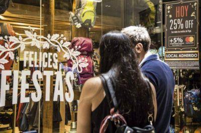 Bancos, comercios y tarjetas refuerzan las promociones para despertar el consumo