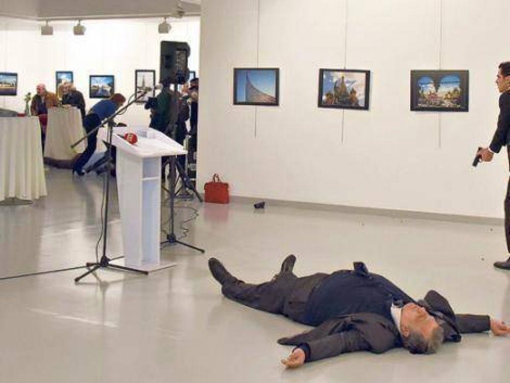 Asesinaron al embajador de Rusia en Turquía