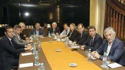Ganancias: el Gobierno recibe a gobernadores tras una ardua negociación