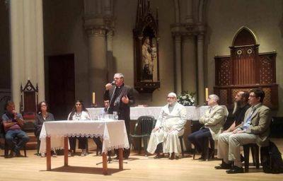 Encuentro interreligioso en San Isidro para preparar la llegada de 300 familias sirias