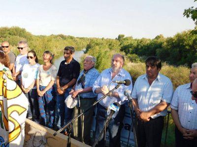 Con una histórica movilización, La Pampa reclamó por el Atuel