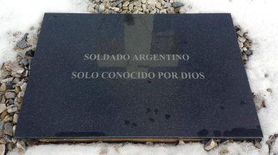 Acuerdo entre Argentina y el Reino Unido para identificar a los caídos en Malvinas