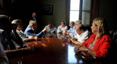 Vidal está cerca de partir el peronismo y conseguir que le autoricen el endeudamiento