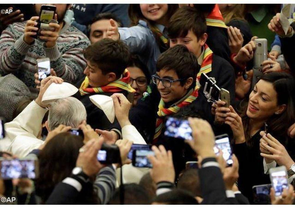 Papa: La esperanza ha entrado en el mundo con la Encarnación