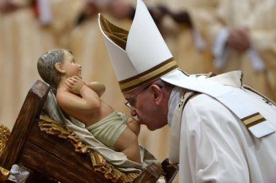 El Papa: En Navidad, Dios nos enseña la grandeza de su humildad
