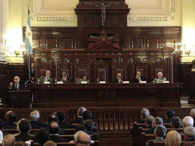 La cláusula para que los nuevos jueces paguen el impuesto puso a la Justicia en alerta