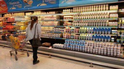 Se profundiza la recesión: caen otra vez ventas en shoppings y supermercados