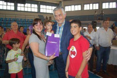 Cuatrocientas diez familias mercedinas recibieron sus viviendas