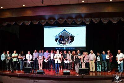 """Entrega de Certificados del Programa """"Una Iglesia, Una Familia"""""""