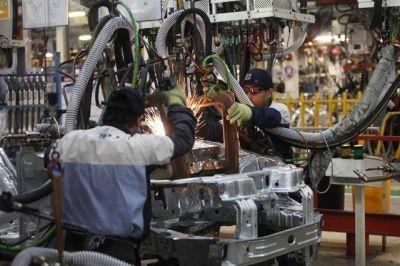 El PBI cayó un 3,8% interanual el tercer trimestre de 2016, según el Indec