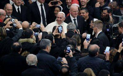 Felicitaciones del Papa a los empleados vaticanos y elogio del trabajo