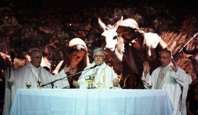 Con un mensaje de unión de monseñor Delgado, comenzó a palpitarse la Navidad