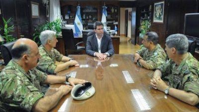 Uñac se reunió con autoridades del Ejército Argentino por el Cruce de Los Andes