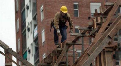 El empleo en la construcción sigue por el piso