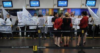 Sismo salarial para 2017: tripulantes de cabina de Latam acordaron 44%