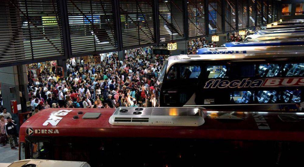 Nuevas asambleas de Aoita complican el transporte interurbano