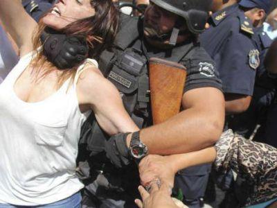 El Gobierno de Morales justificó la represión a Mayra Mendoza