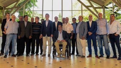 Sin los Moyano, Mauricio Macri brindó con sindicalistas en Olivos