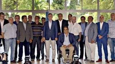 Macri recibió a la CGT y le pidió moderación para el próximo año