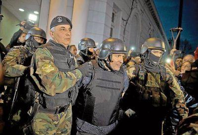 López, alterado y deprimido fue derivado al hospital de la cárcel