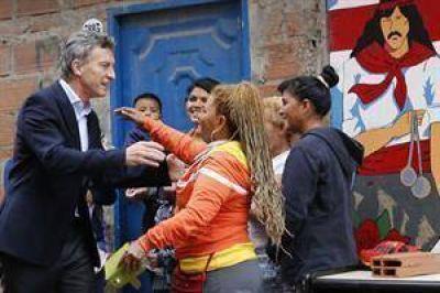 En vísperas de Navidad, Macri visita Los Piletones