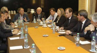 """Qué es la """"miniliga Savoy"""" que integra el gobernador Schiaretti"""