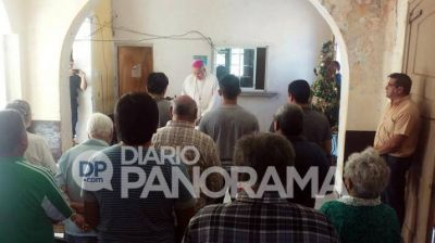El obispo de Añatuya visitó a presos por la Navidad