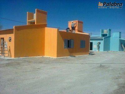 Zara entrega las primeras once viviendas del Plan Techo Digno