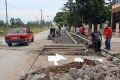 Avanza reparación de la calle De Caso junto a la Escuela 11