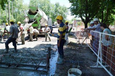En el Barrio 96 Viviendas comenzaron las obras de pavimento