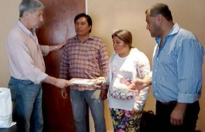 Entregaron viviendas a casos especiales en Rivadavia Banda Sur