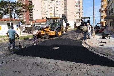 Desarrollan obras de repavimentación en el centro de Miramar