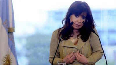 Cristina denunció una persecución y le apuntó al Gobierno