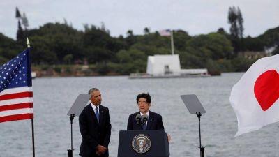 En una histórica visita a Pearl Harbor, el primer ministro de Japón ofreció sus condolencias