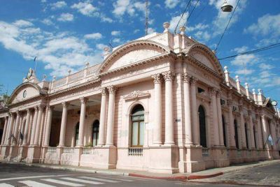 Provincia busca optimizar fondos para hacer frente a un 2017 difícil