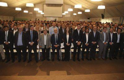 Arroyo junto a la gobernadora y funcionarios en el último gabinete ampliado del año