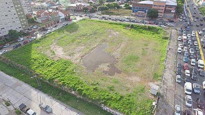 Presentan proyecto para construir cuatro edificios y un centro comercial en el predio del ex Superdomo
