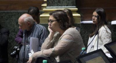 Una legisladora de Carrió dijo que Lilita competirá en la provincia