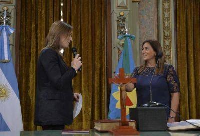 Vidal tomó juramento y saludó a los empelados de la Gobernación
