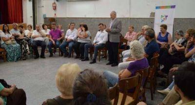 Lamberto dialogó con integrantes de centros de jubilados