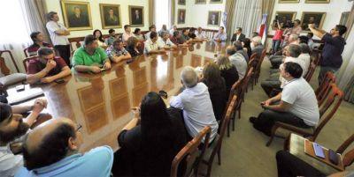 El gobernador Bordet recibió a representantes de 36 gremios