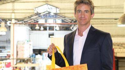 El empresario que gana con la prohibición de las bolsas de plástico en los supermercados de la Ciudad