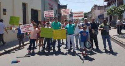Cesanteados de la Secretaría de Trabajo protestaron contra Palina