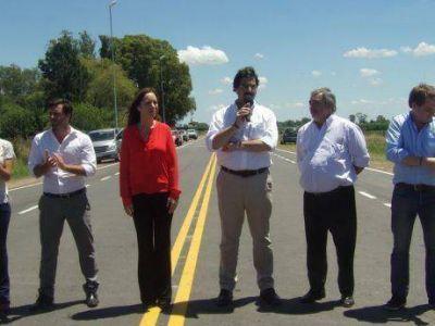 Con comunicación solo a medios nacionales, la gobernadora Vidal inauguró la Ruta del Cereal en Salazar