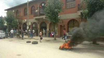 Se levantó la toma de la municipalidad de Salvador Mazza, liberaron los rehenes