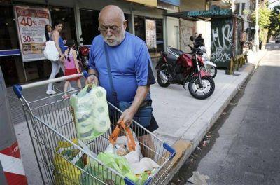 Desde pasado mañana, no entregarán más bolsas plásticas los supermercados