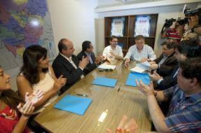 Amaya sugirió que hagan obras con el presupuesto legislativo