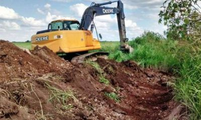 El municipio capitalino continúa con los trabajos de limpieza de canales